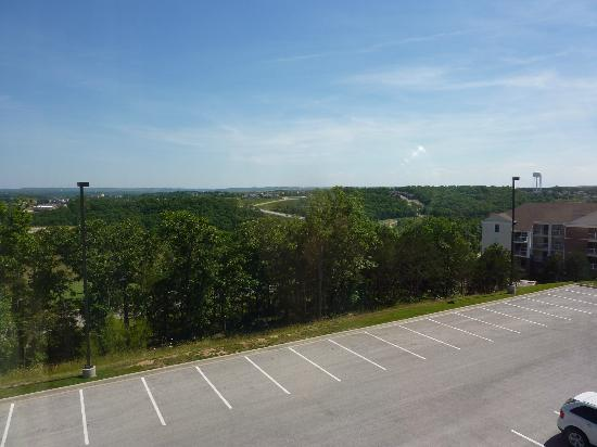Hampton Inn Branson - Branson Hills : Looking out third floor window