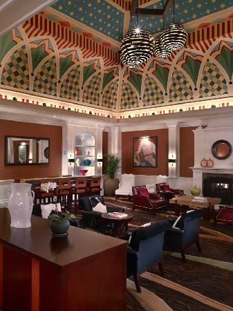 Kimpton Hotel Monaco Denver: Living Room Lobby