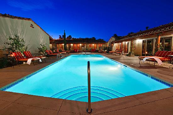 Los Arboles Hotel: Pool Located in the Courtyard