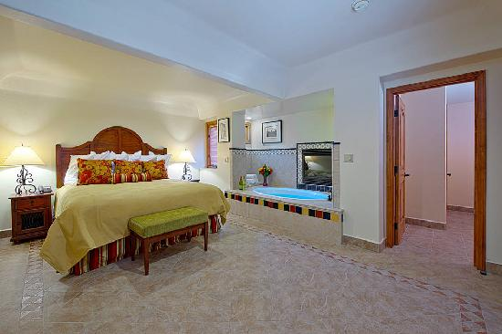 Hotels With Jacuzzi In Room In Palm Springs