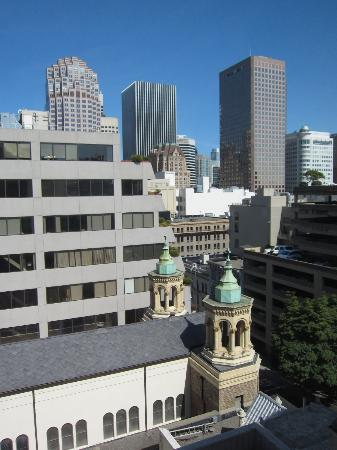 Worldmark San Francisco: View out of one of the corner windows