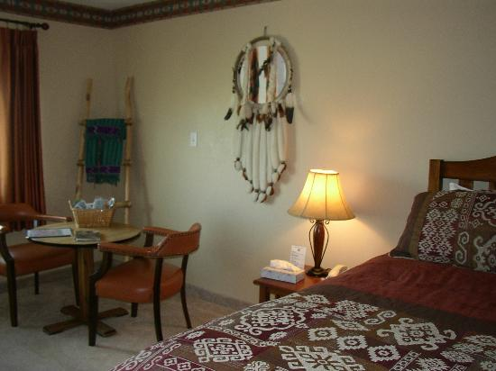 Bryce Trails Bed and Breakfast: Navajo Room