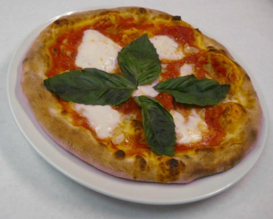 The Old 5 Mile House: Hand thrown Italian style pizzas made in stone hearth oven