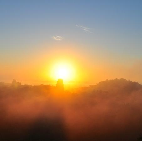 Hotel Tikal Inn: Sunrise in Tikal, the world, the forest and all come to life.... !