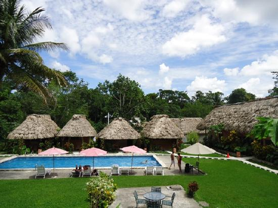 Hotel Tikal Inn: After a hot day........ enjoy our pool....!