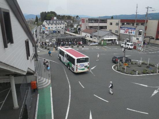 Odakyu Romance Car: 御殿場駅乙女口/アウトレットのバスが来ました。