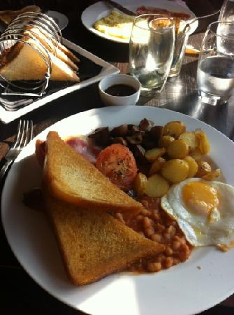 Darrington, UK: a proper full English breakfast