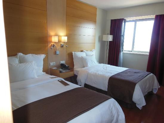 BAH Barcelona Airport Hotel: Comfy Beds