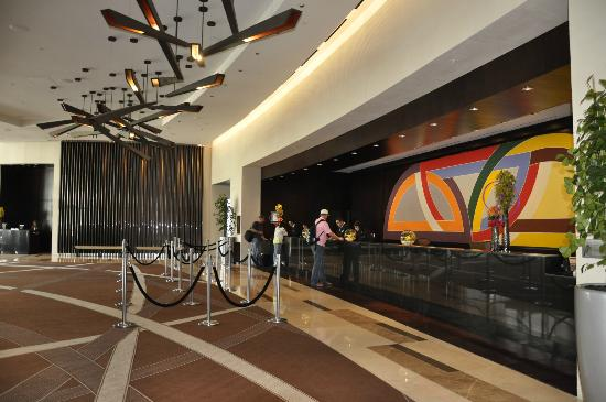 Lobby Amp Front Desk Picture Of Vdara Hotel Amp Spa Las