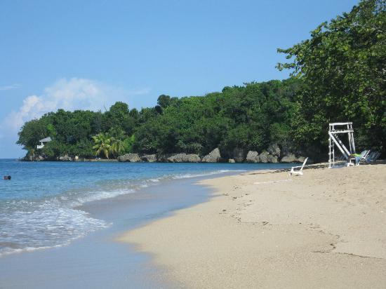Bamboo Beach: Beautiful beach with soft white sand