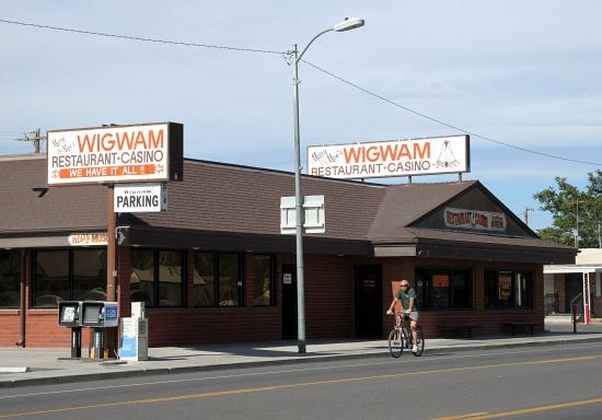 Mary & Moe's Wigwam: Wigwam Restaurant & Casino, Fernley, Nevada