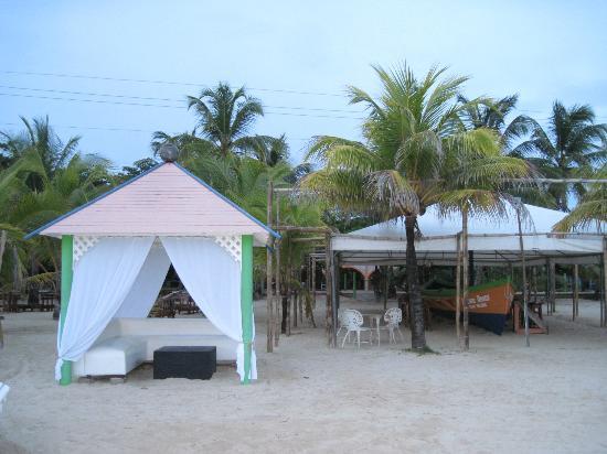 Arenas Beach Hotel Cabana
