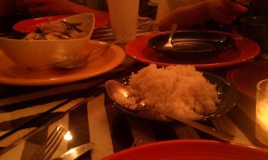 Reangthai Thai Restaurant: Small rice portions