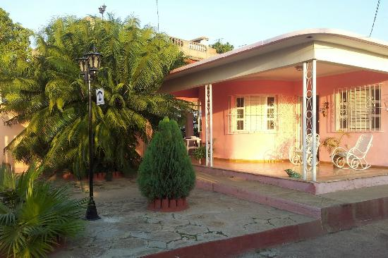 Hostal Casa La Curva: Main Entrance