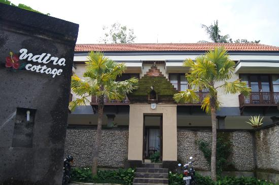 Indira Cottage : Entry to from parking place