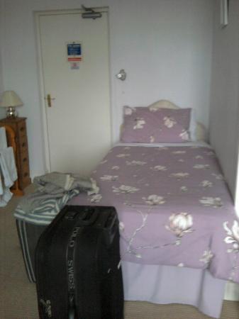 White Rose Villa: Single bed in the Lavender room