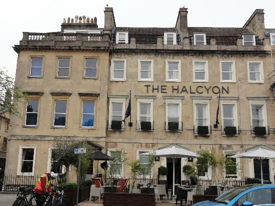 The Halcyon Hotel: Facade