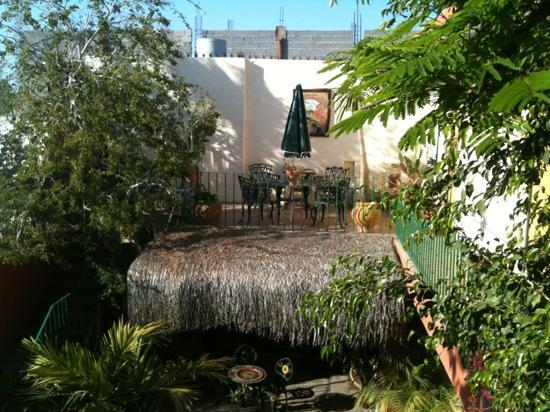 Casa Tuscany Inn: just one of the patio's you can hang out at