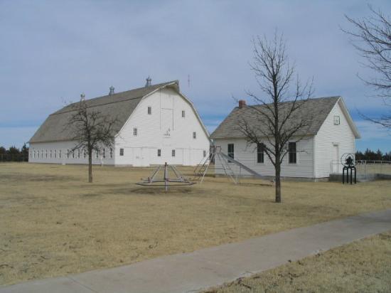 Prairie Museum of Art & History: Big barn and schoolhouse