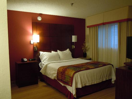 Residence Inn Syracuse Carrier Circle: Bedroom