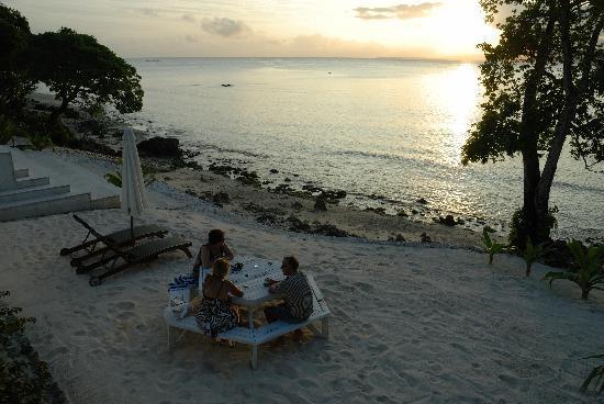 Villa 25 beach - sunset (c) Gary Bowering