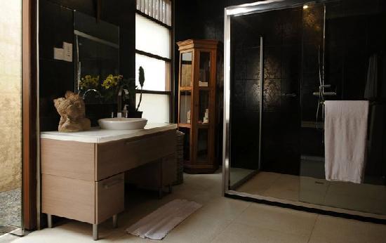 Villa Mimpi Manis Bali: ENSUITE BAHROOM 2