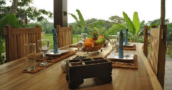 Villa Mimpi Manis Bali: DINING AREA