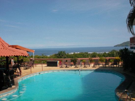 BEST WESTERN Tamarindo Vista Villas: The pool