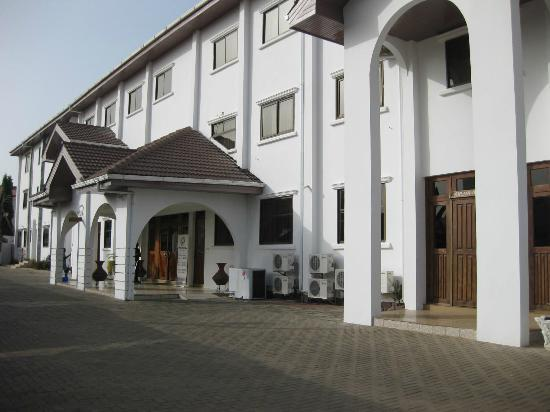 Raybow International Hotel: The hotel front aspect.