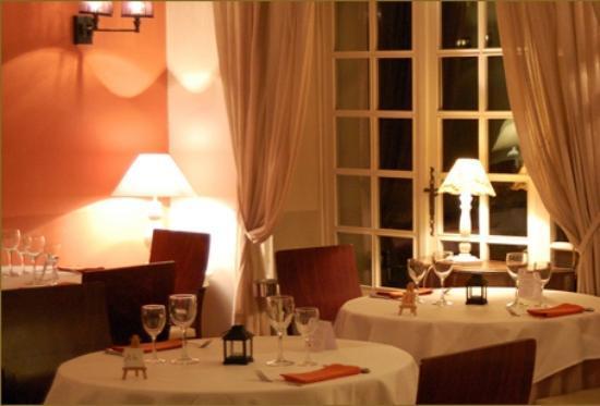 """Le restaurant """"l'Oustau de l'Isle"""""""
