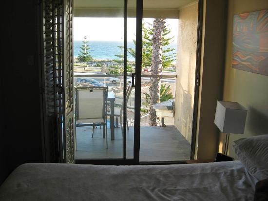 Seashells Scarborough: Main bedroom has access to balcony