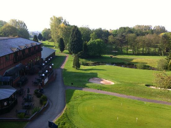 Macdonald Hill Valley Hotel, Golf & Spa: 18th and 19th