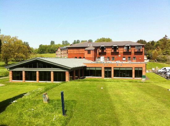 Macdonald Hill Valley Hotel, Golf & Spa: spa & hotel