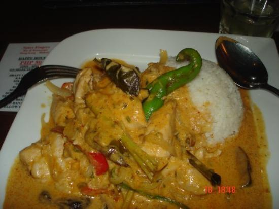 Spicy Fingers Bar and Restaurant: seafood curry