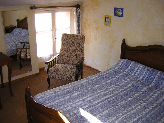 Hotel Le Saint-Marc : chambre 2pers dch/w-c