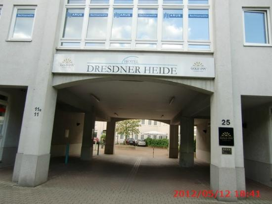 Airport Hotel Dresden: 玄関