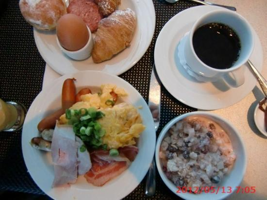 Airport Hotel Dresden: 朝食