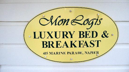 Mon Logis Bed and Breakfast: Mon Logis Sign