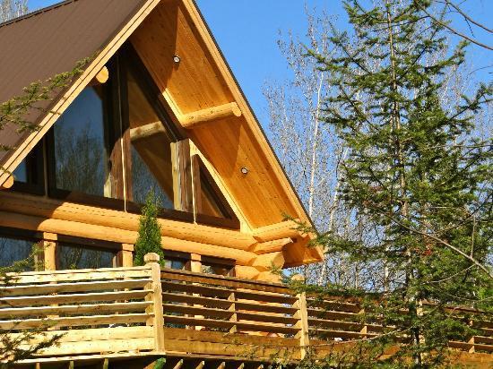 Le Domaine du Lac Saint Charles: La douceur du bois rond et la chaleur qu'il dégage