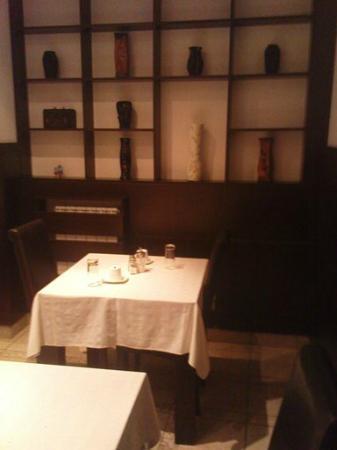 Vila Senjak Belgrade: breakfast room