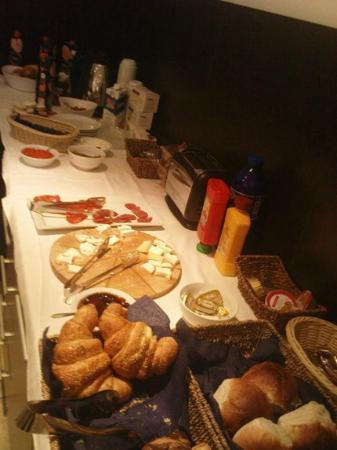 Vila Senjak Belgrade: Breakfast (at the end of opening hours)