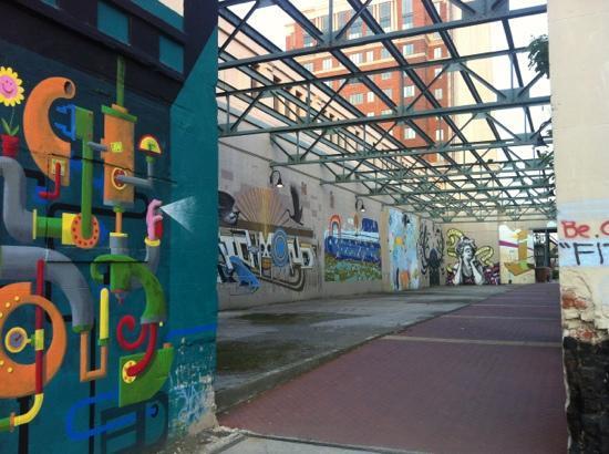 Thai Diner Too: urban art trail side