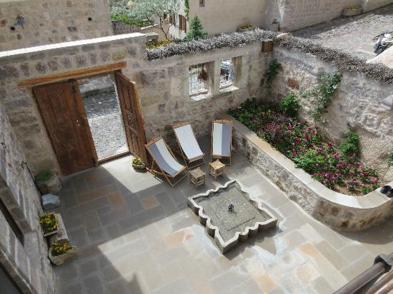 Argos in Cappadocia: terrasse intérieure accessible aux 3 chambres
