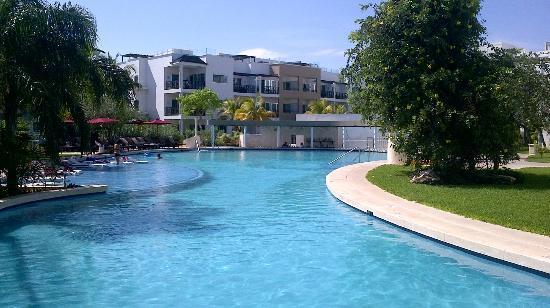 Azul Beach Resort The Fives Playa Del Carmen: Free form pool