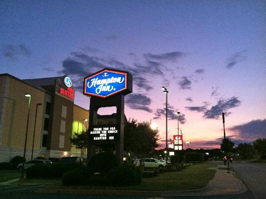 Hampton Inn Anderson: Hampton Inn sign Anderson, SC