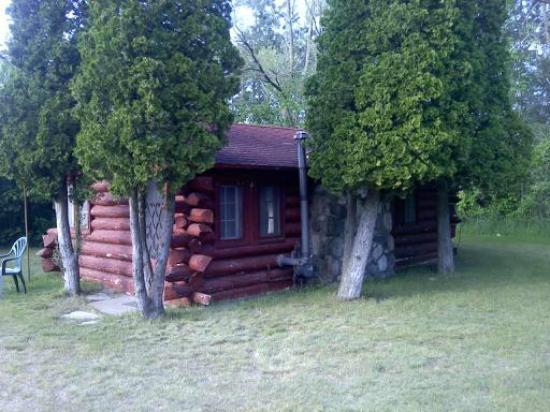 Uhrick's Lincoln Log Motel