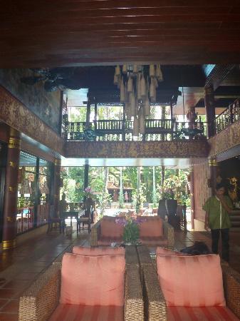 Royal Phawadee Village : reception