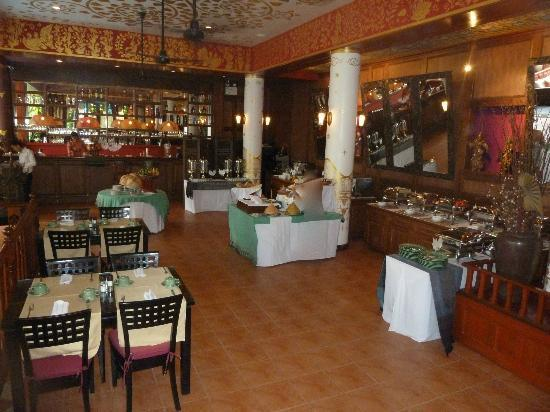 Royal Phawadee Village : petit dejeuner