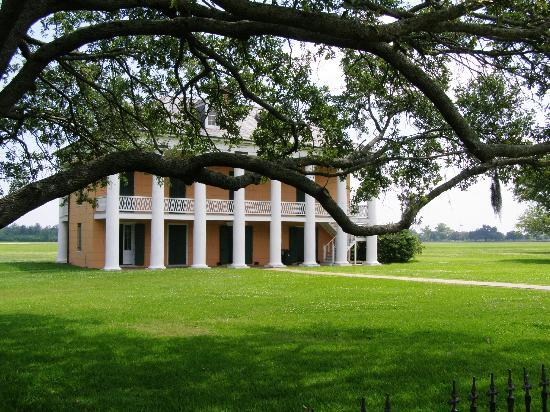 Jean Lafitte National Historical Park and Preserve: Plantation house at Chalmette battlefield