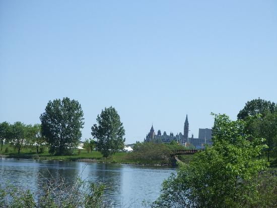 Sir John A. MacDonald Parkway: Looking back over the city
